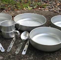 13-tlg-Aluminium-Camping-Kochset-Camping-Geschirr-Alu-Tpfe-Edelstahl-Besteck-0